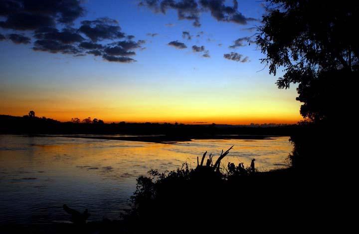 Tanz.sunset.river
